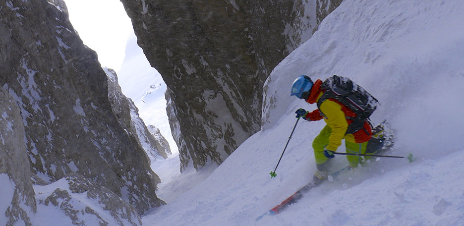 Off-Piste Skiing at the Sella Couloirs
