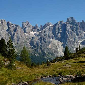 Trekking to Mount Juribrutto from Malga Vallazza